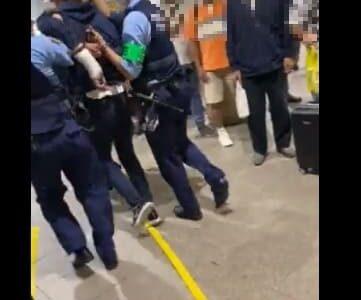 上野駅中央改札付近のATMで通り魔!犯人の後ろ画像と動画がヤバい